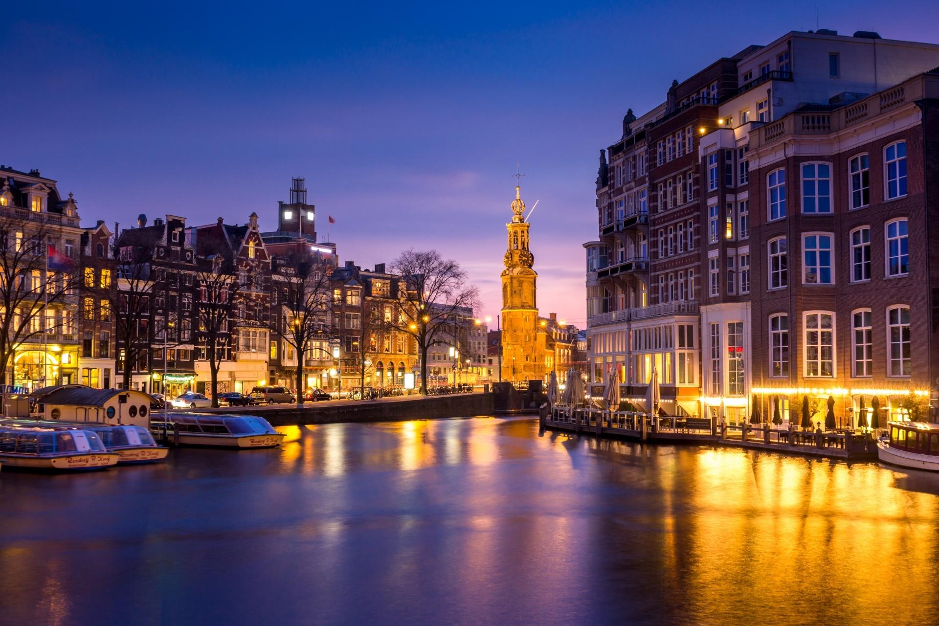 アムステルダムの夜の風景 オランダの風景
