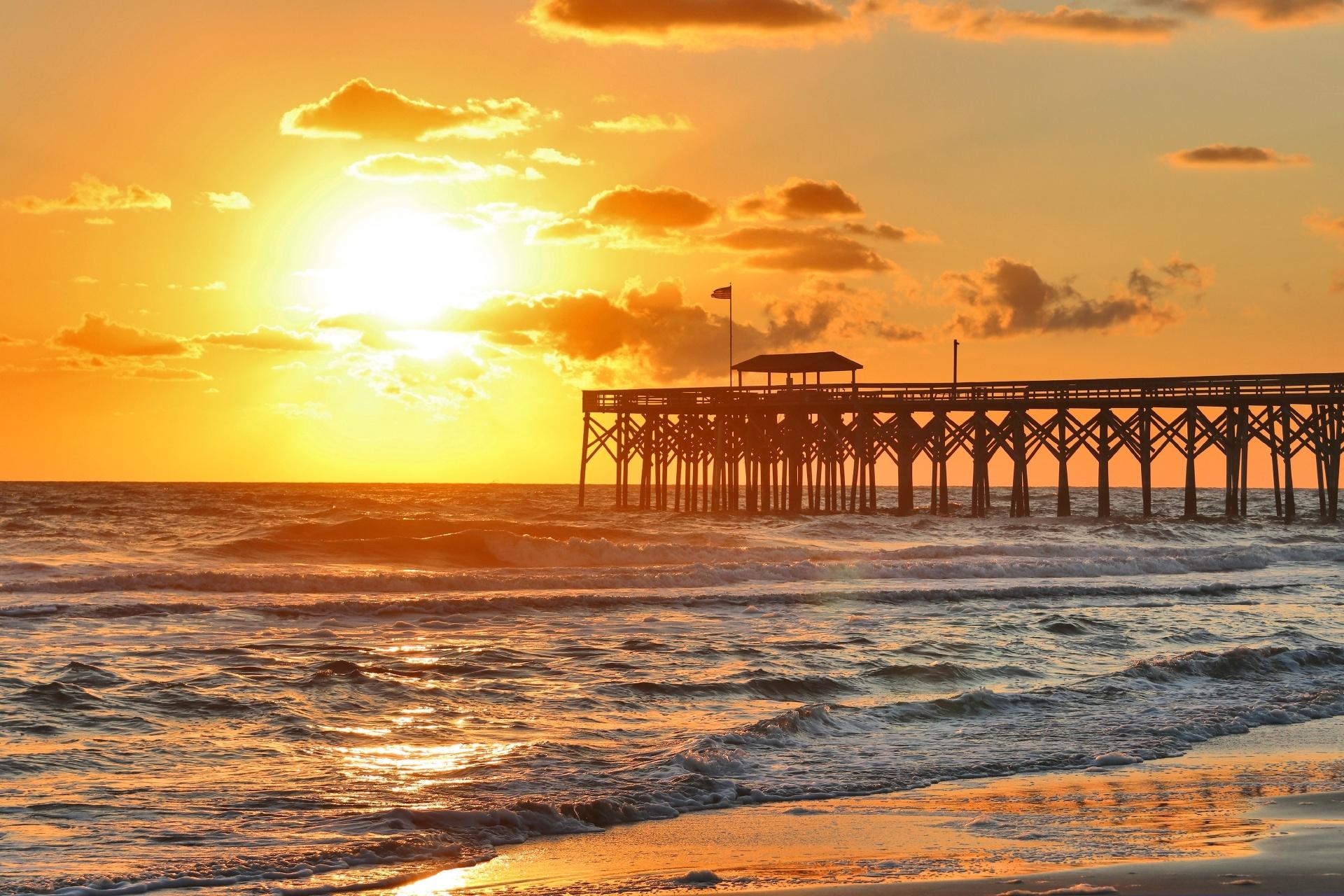 マートルビーチの日の出の風景 アメリカ合衆国の風景