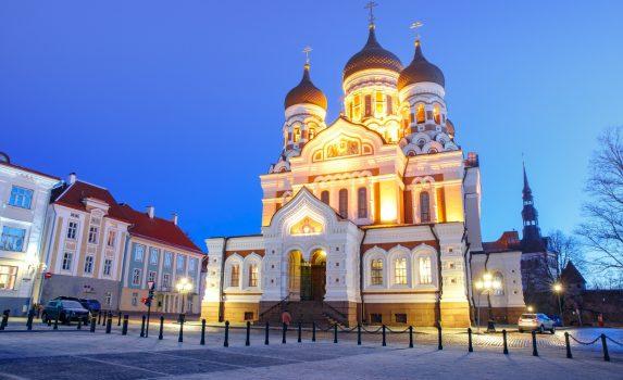 夜のアレクサンドル・ネフスキー大聖堂 エストニアの風景