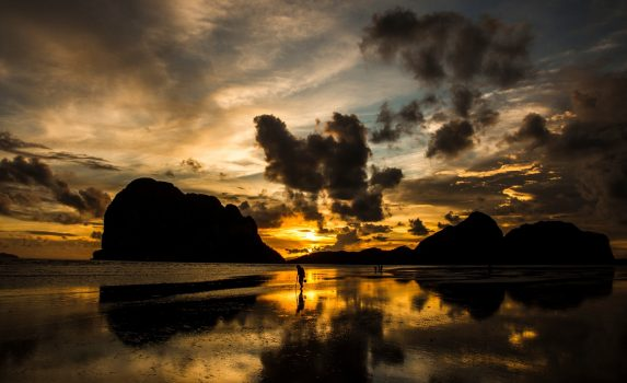 パークメン・ビーチ 日の出の風景 タイ トラン