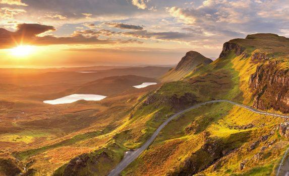 スカイ島の日の出の風景 スコットランドの風景