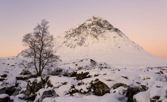 冬のブアチャイール・エティーブ・モル スコットランドの風景
