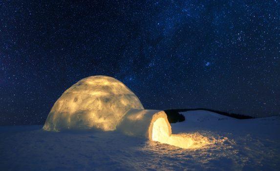 冬の風景 冬山と星空