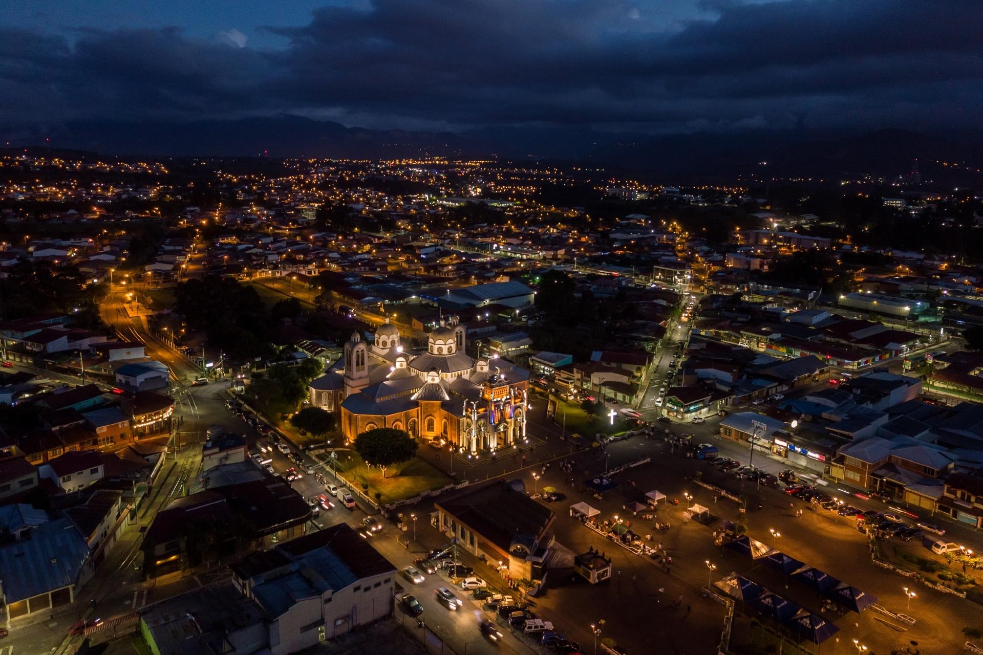 コスタリカ カルタゴの夜の風景