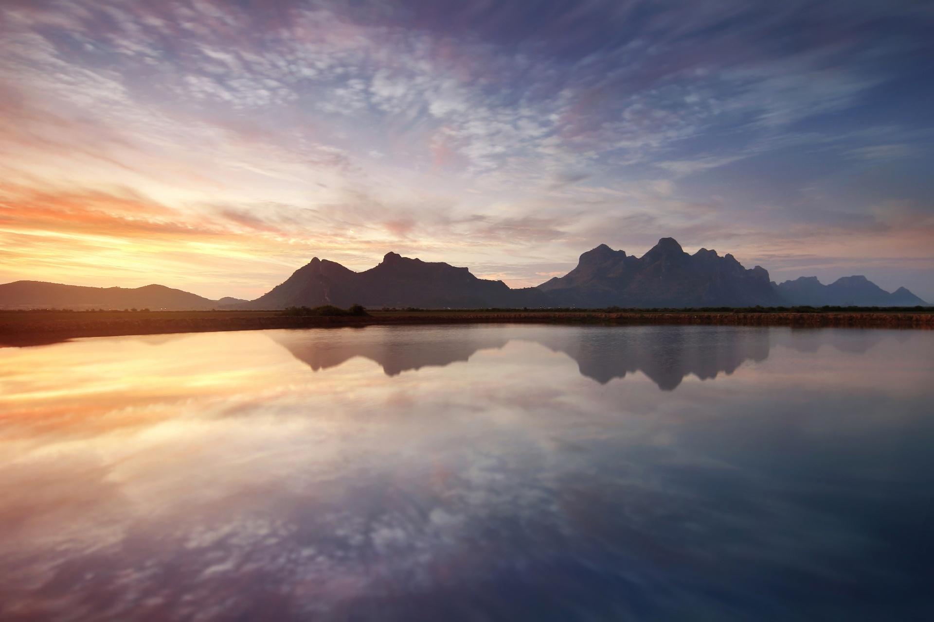 カオ・サームローイヨート海洋国立公園の朝の風景 タイの風景