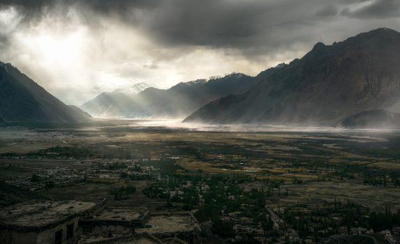 インド ラダックの幻想風景