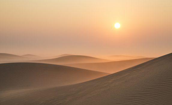 砂漠の日の出の風景 アラブ首長国連邦の風景
