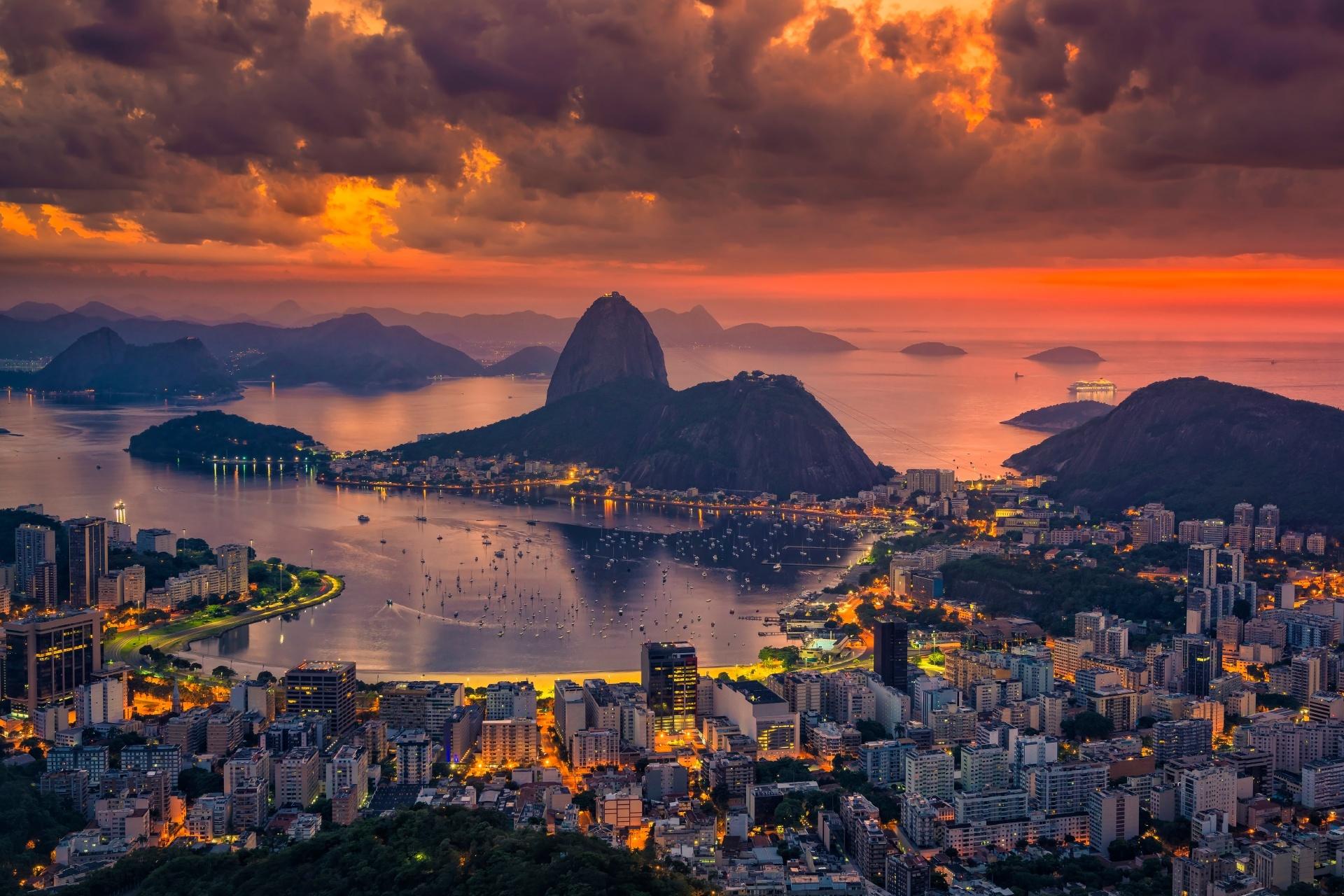 ポン・ヂ・アスーカルと朝焼けの風景 ブラジルの風景
