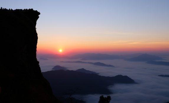 プーチーファーの日の出 タイの風景 ラオスの風景