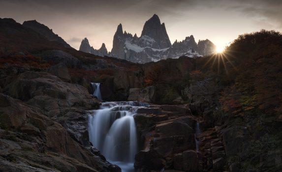 フィッツ・ロイの夕暮れ パタゴニア アルゼンチンの風景
