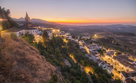 サアラ・デ・ラ・シエラの夕暮れの風景 スペイン アンダルシアの風景