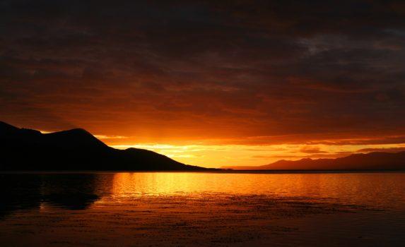 夕日とウシュアイア港の風景 アルゼンチンの風景