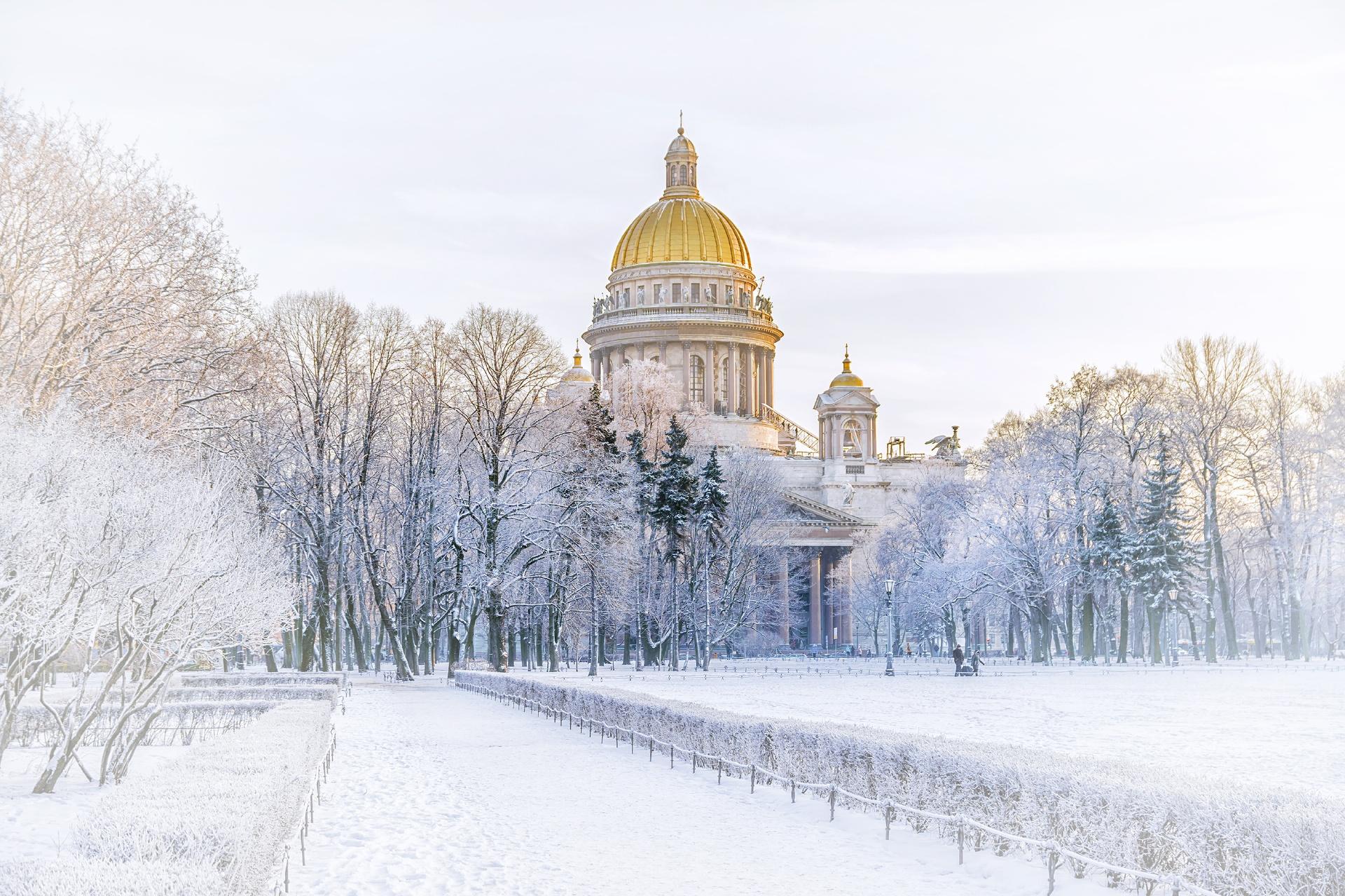 冬のロシア サンクトペテルブルク 聖イサアク大聖堂の風景
