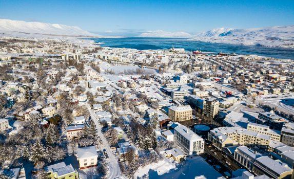 アークレイリの朝の風景 アイスランドの風景