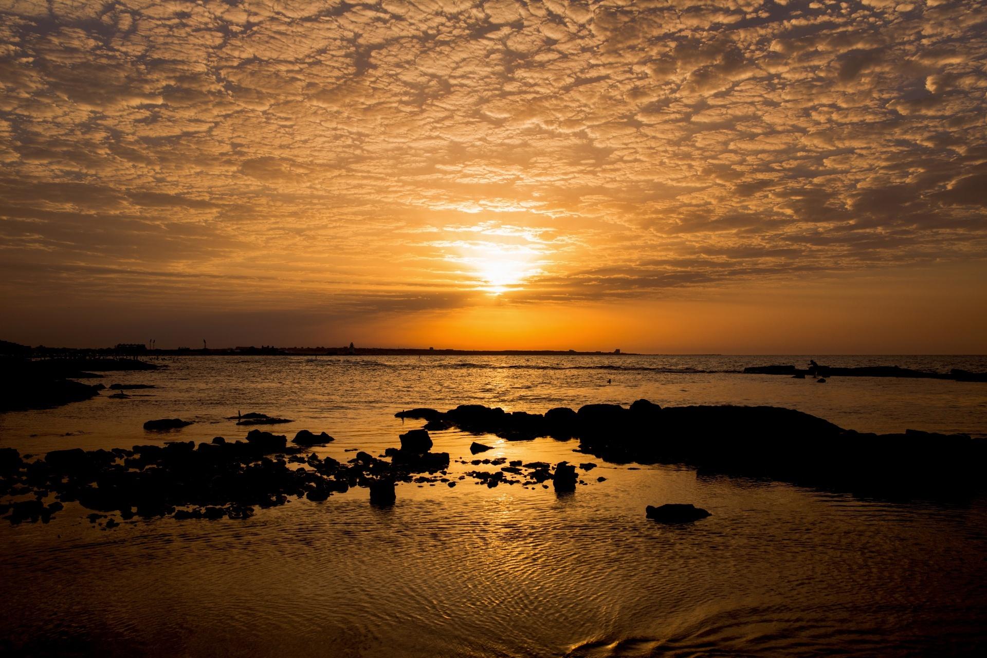 夕陽と海の風景 アゼルバイジャンの風景