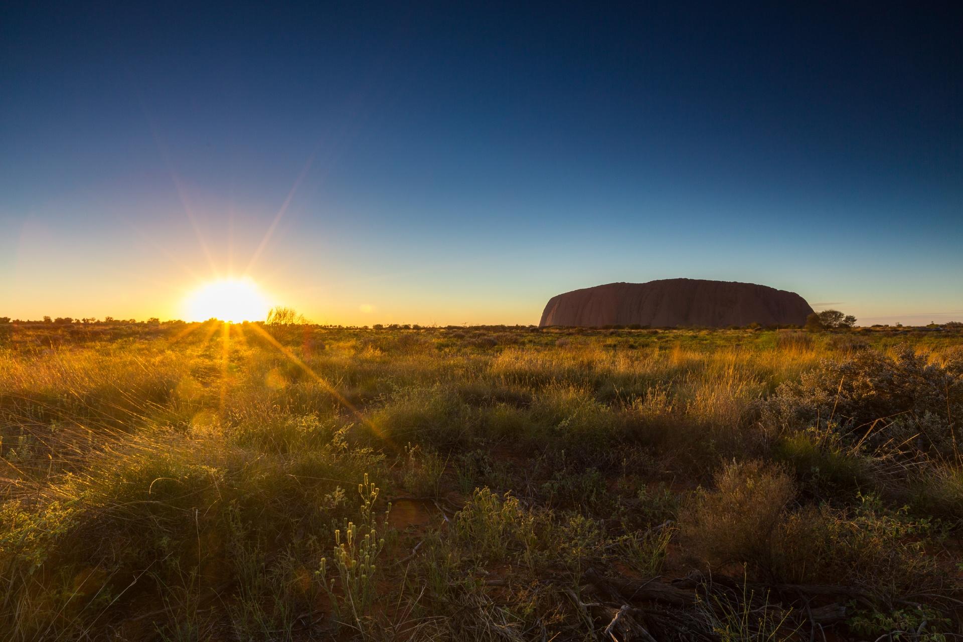 オーストラリア内陸部の朝の風景 オーストラリアの風景