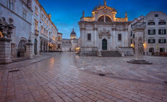 夕暮れ時のドゥブロヴニク旧市街の風景 クロアチアの風景