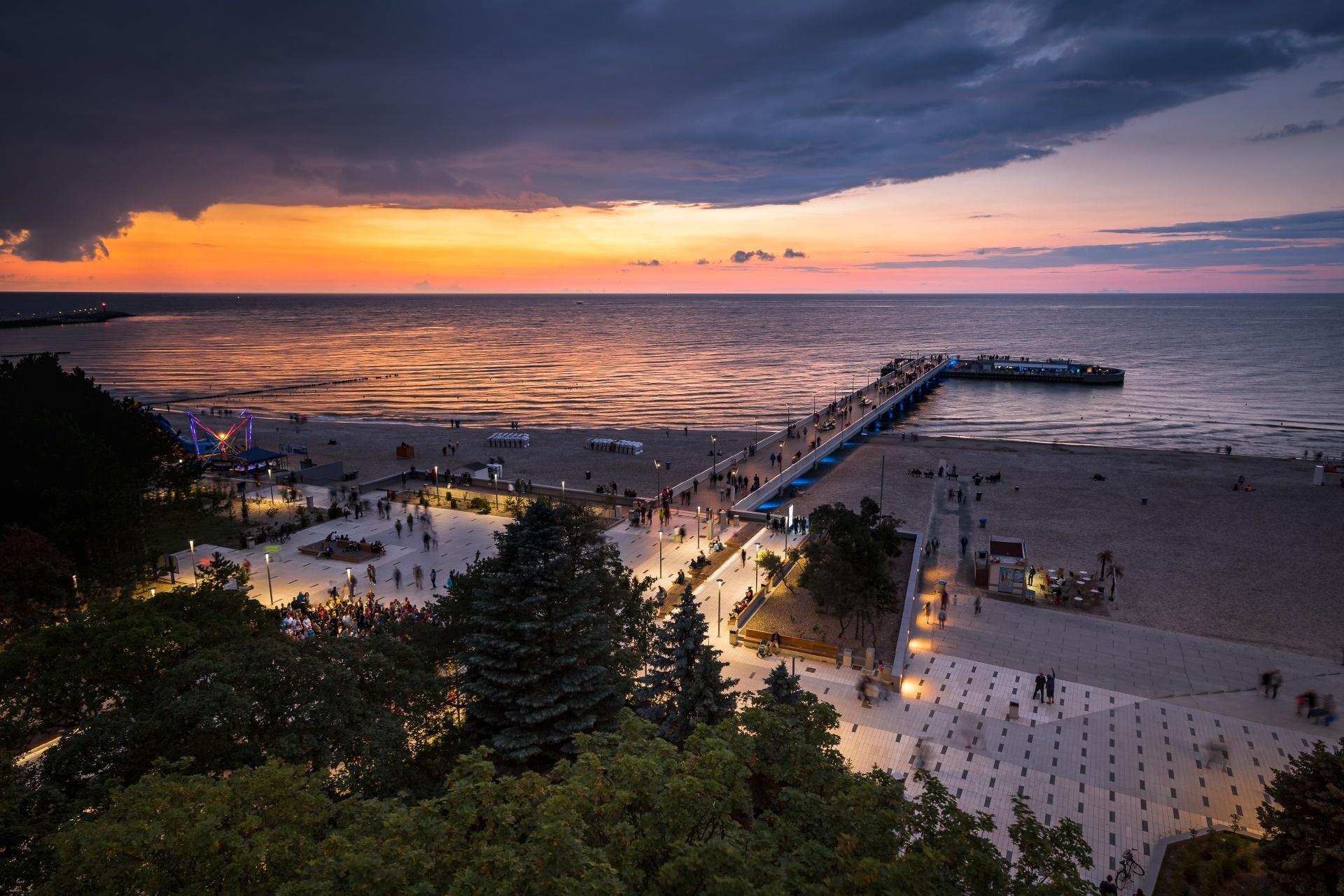 夕暮れの海岸の風景 ポーランドの風景