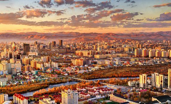 ウランバートルの夕日 モンゴルの風景