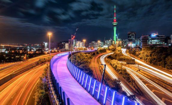 スカイタワーとオークランドの夜景 ニュージーランドの風景