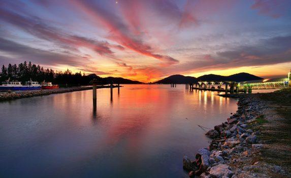 ルムットの夕焼けの風景 マレーシアの風景