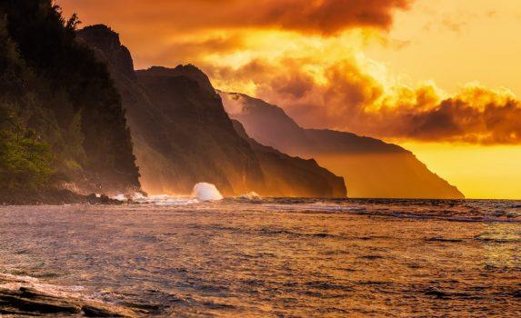 カウアイ島ナパリの夕暮れの風景 ハワイの風景