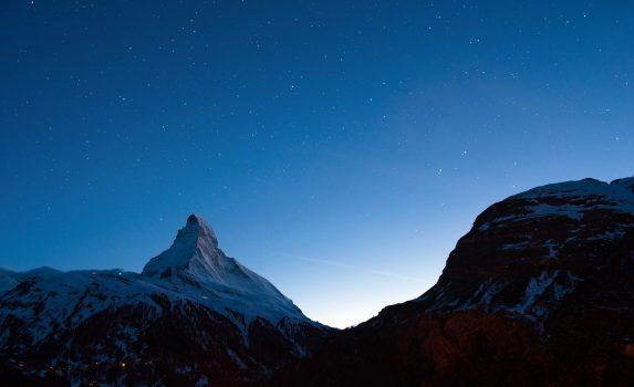 マッターホルンのトワイライト風景 スイスの風景