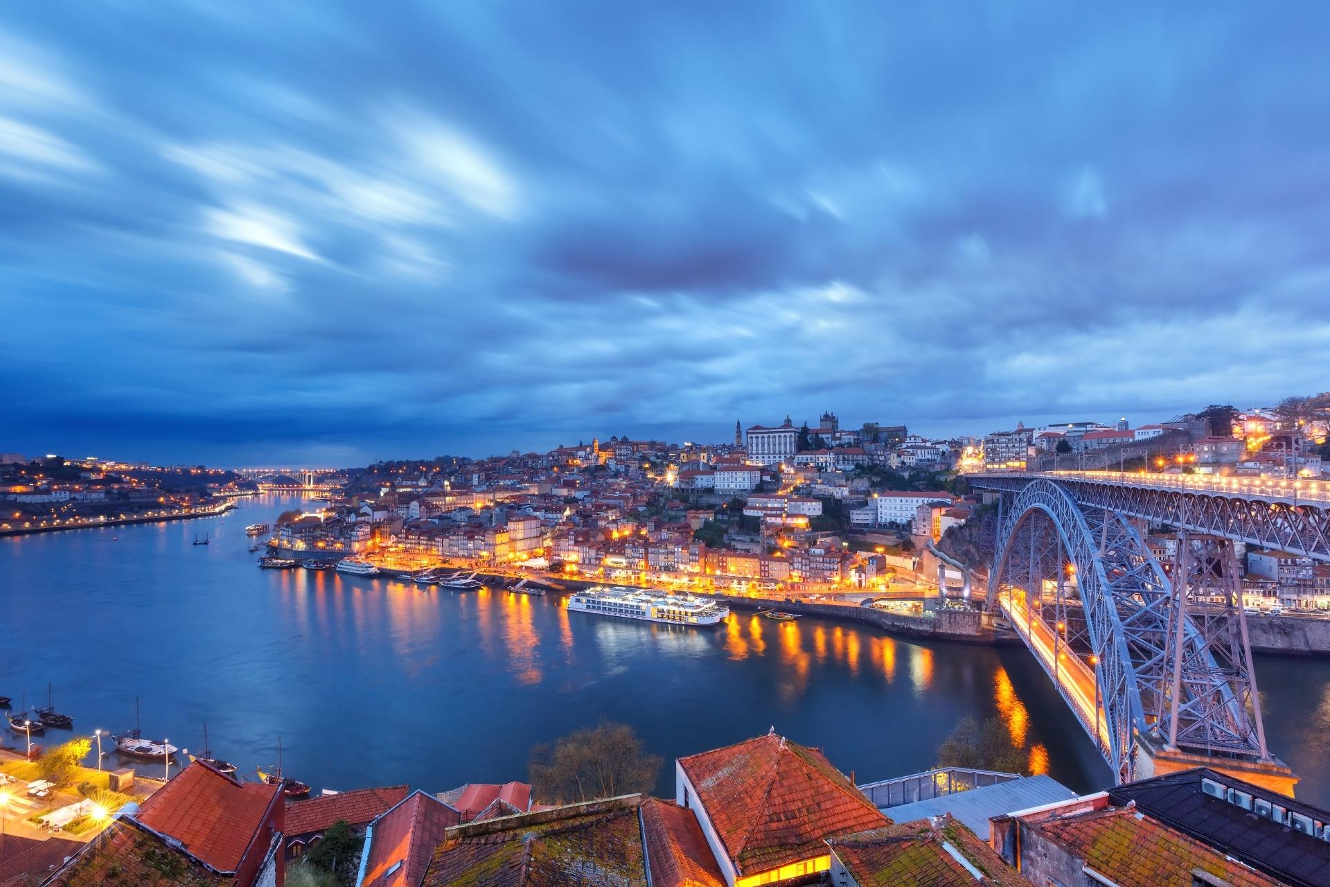 夕暮れのポルトの風景 ポルトガルの風景