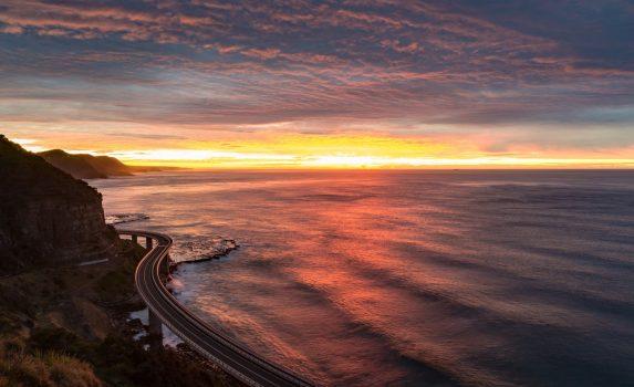 美しい空と日の出の海の風景 オーストラリアの風景