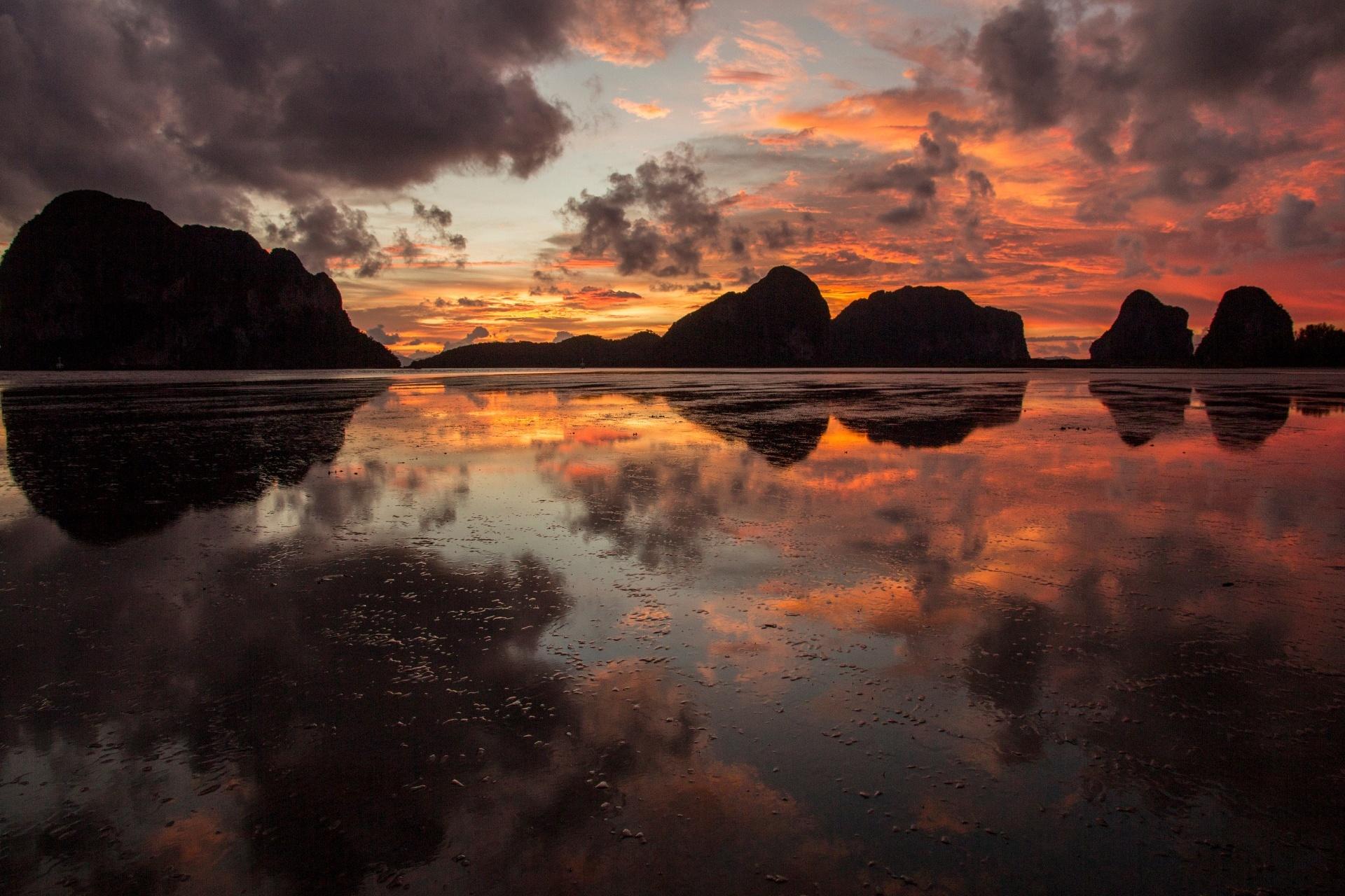 パークメン・ビーチの日の出の風景 タイの風景
