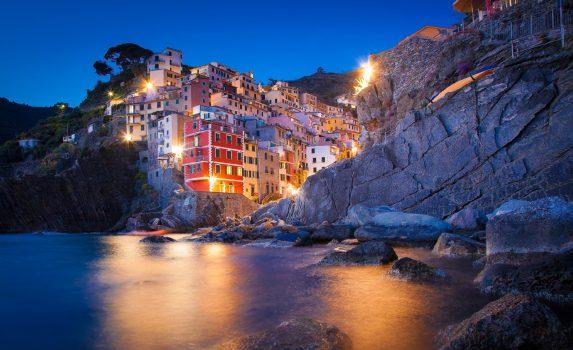夜のリオマッジョーレの風景 イタリアの風景