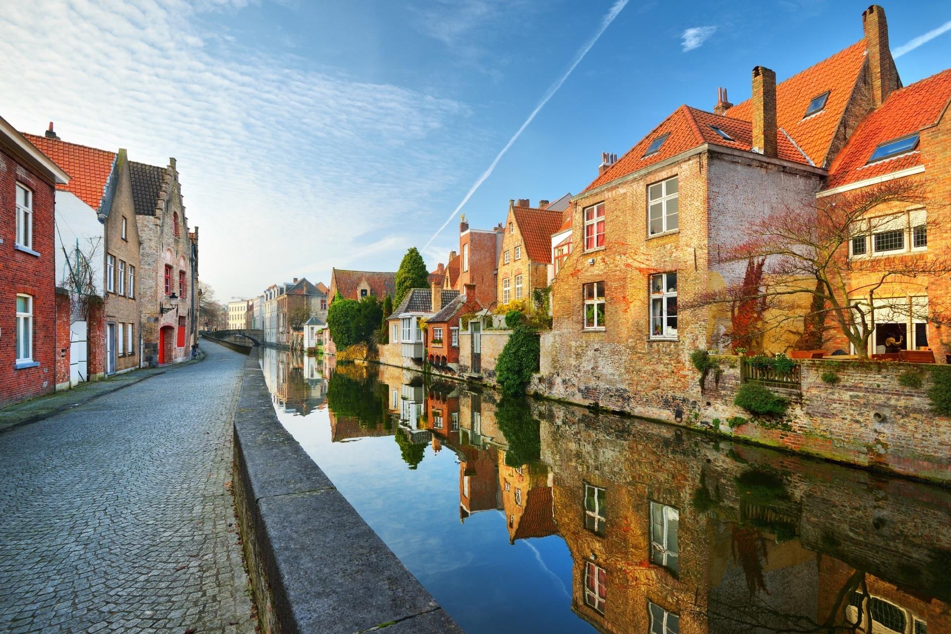 ブルージュの運河と街の景色 ベルギーの風景