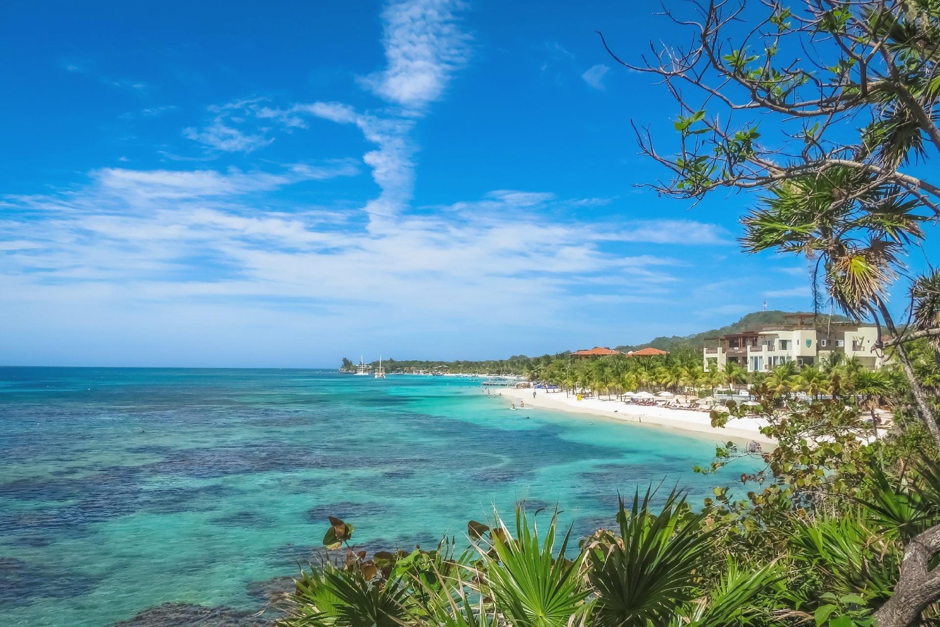 ロアタン島の風景 ホンジュラスの風景