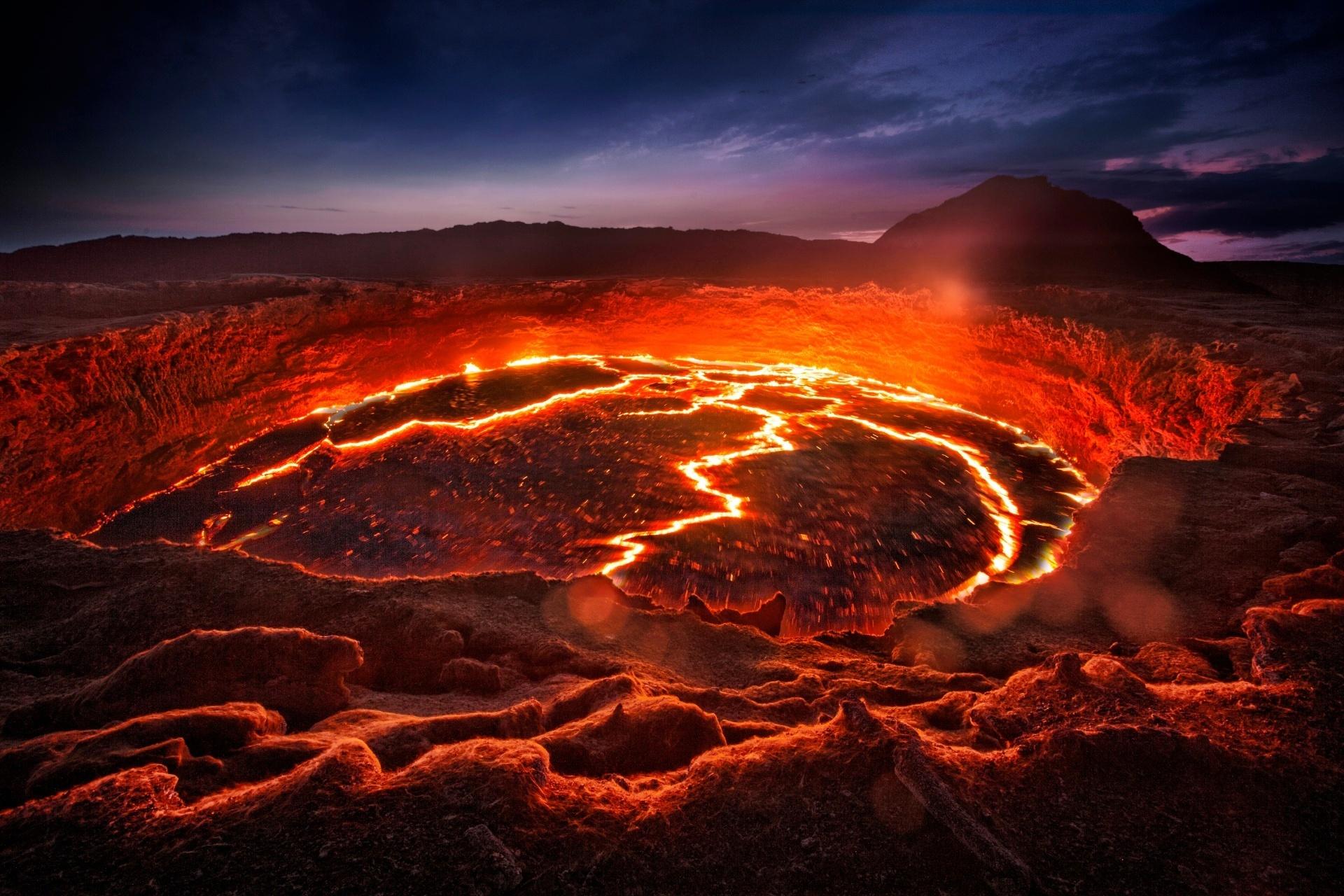 エルタ・アレの溶岩湖の風景 エチオピアの風景