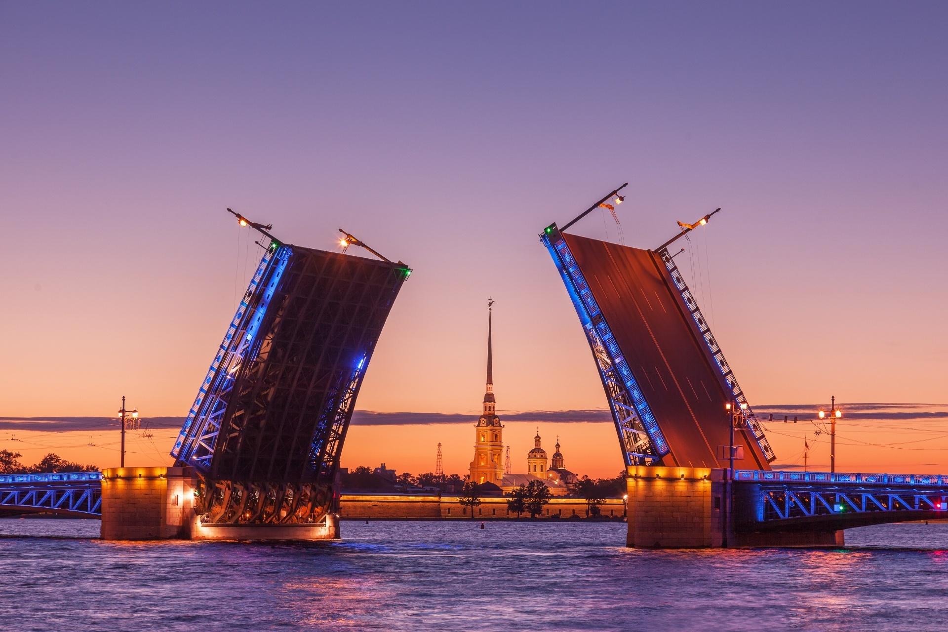 白夜のサンクトペテルブルク ロシアの風景