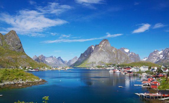 ロフォーテン諸島レーヌの風景 ノルウェーの風景