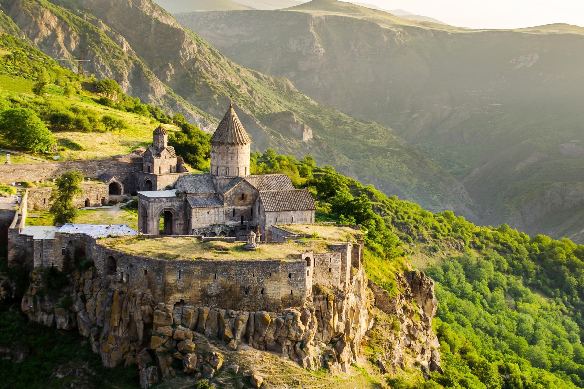 タテフ修道院 アルメニアの風景