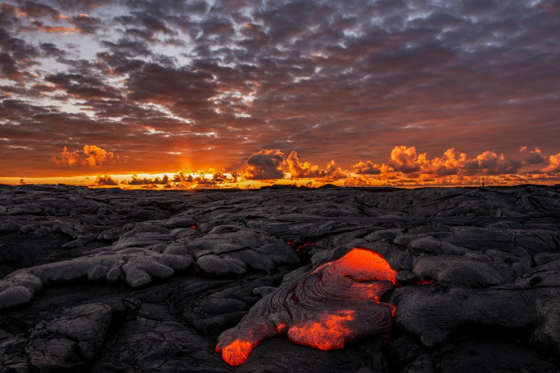朝焼けのハワイの風景