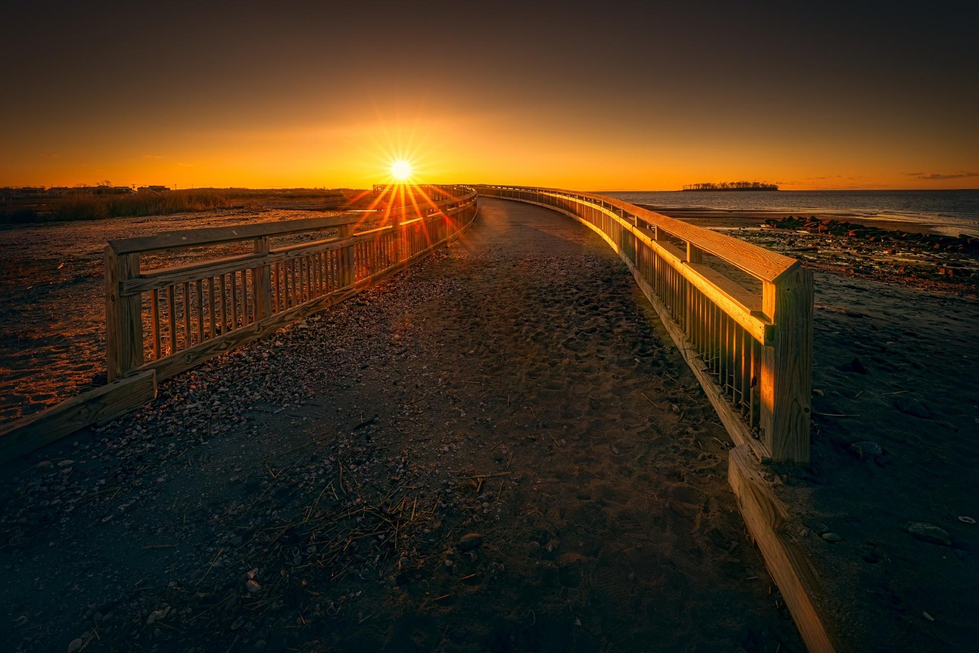 ミルフォード シルバーサンズ州立公園 遊歩道沿いの日の出の風景 アメリカの風景