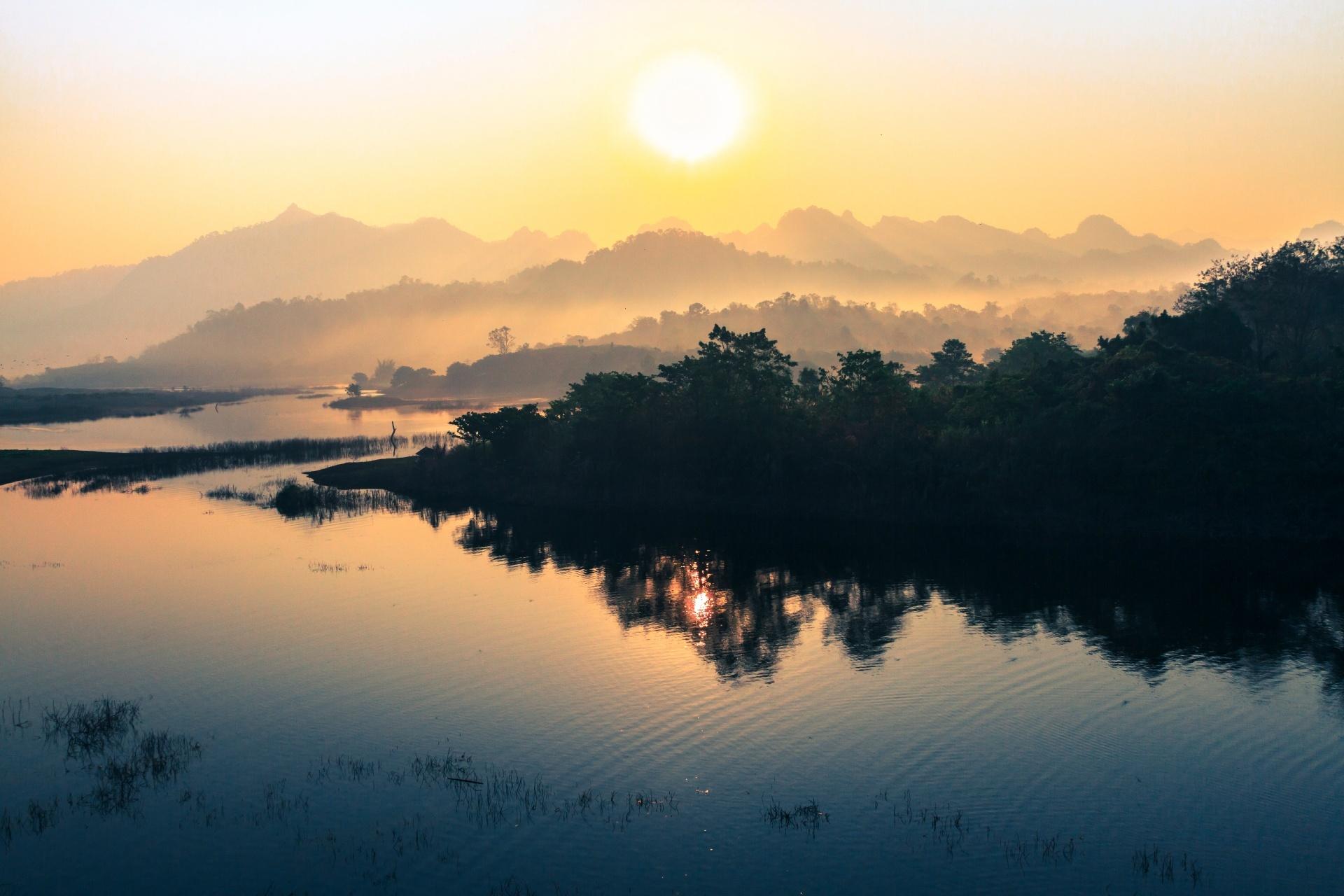 穏やかな朝の風景 タイの風景