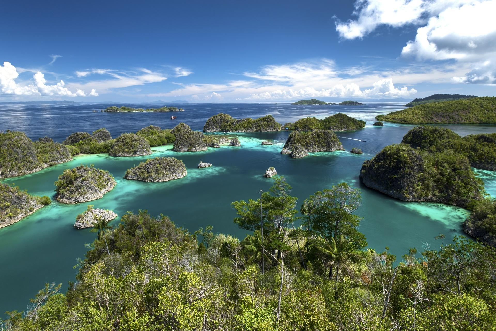 ラジャ・アンパット諸島の風景 インドネシアの風景