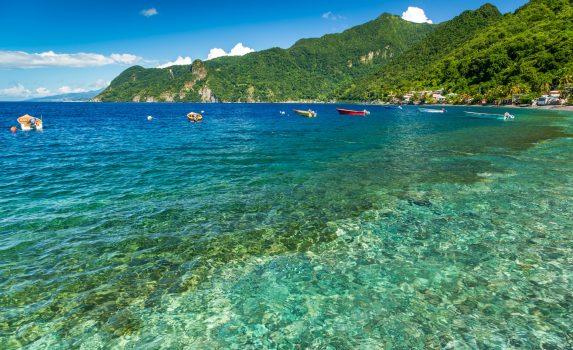 スフリエール湾の風景 ドミニカの風景