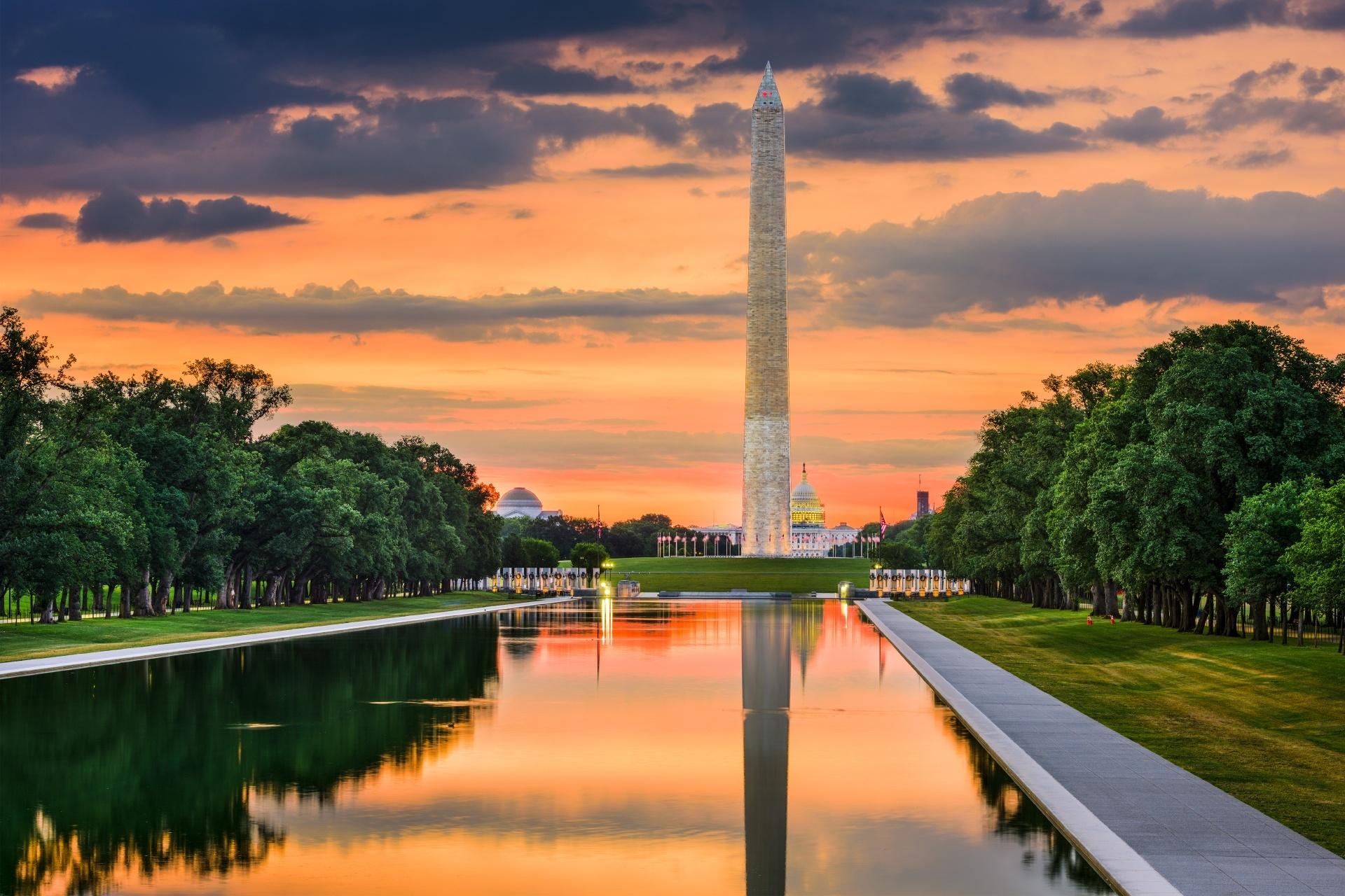 夕暮れのワシントン記念塔 アメリカの風景