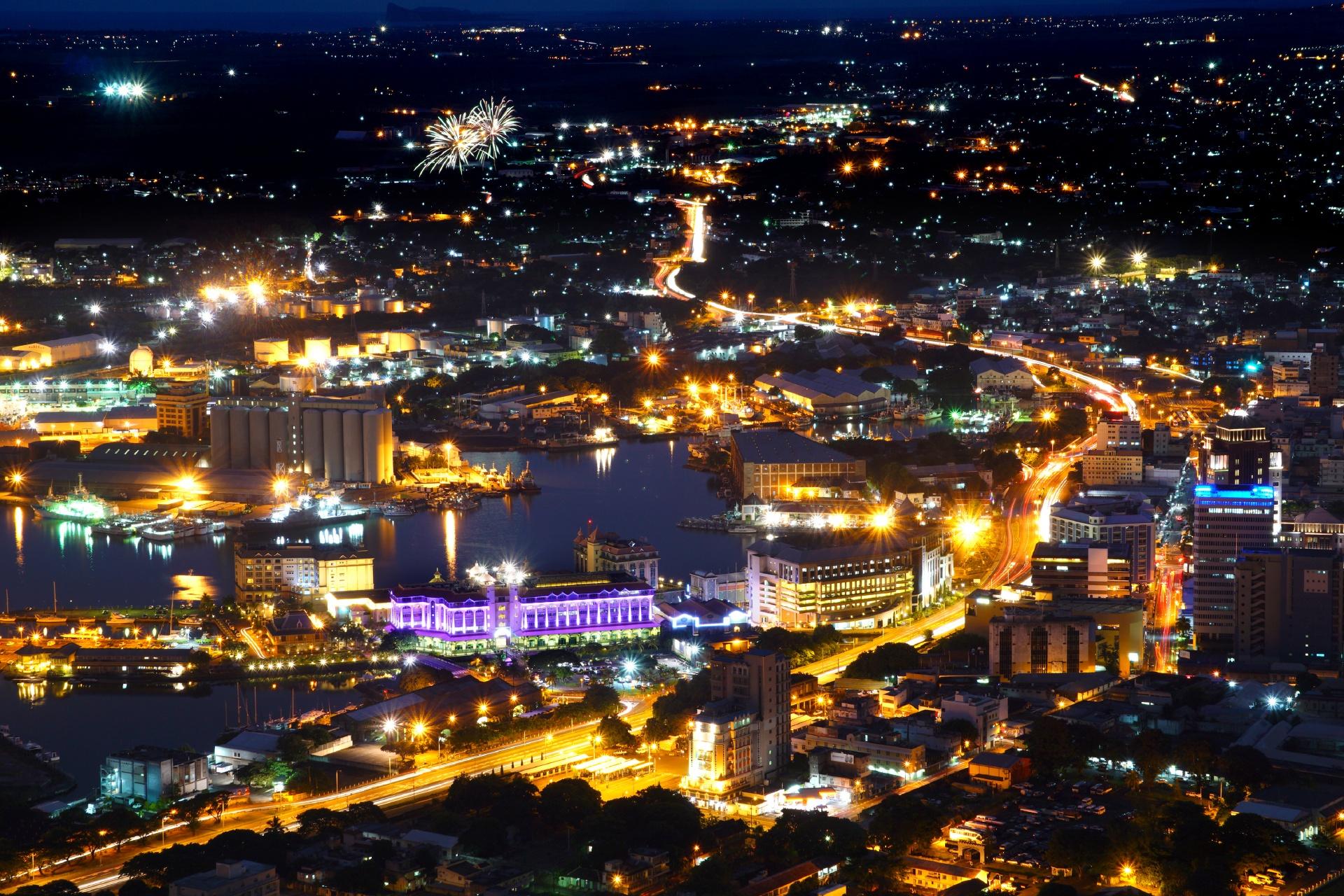 ポート・ルイスの夜の風景 モーリシャスの風景