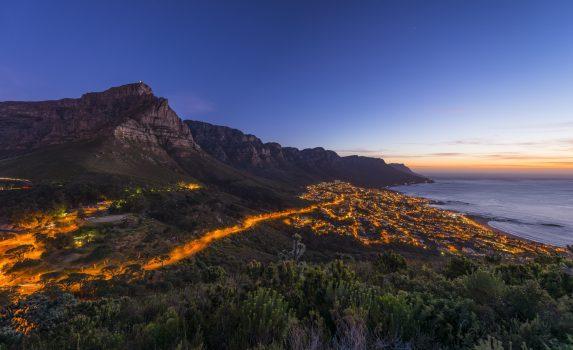夜のケープタウン 南アフリカの風景