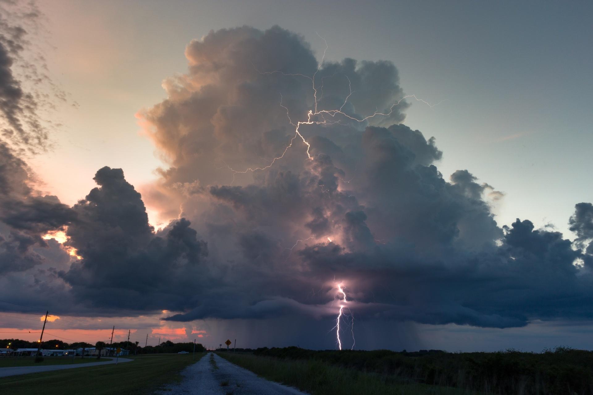 雨季のフロリダ南部の風景 アメリカの風景