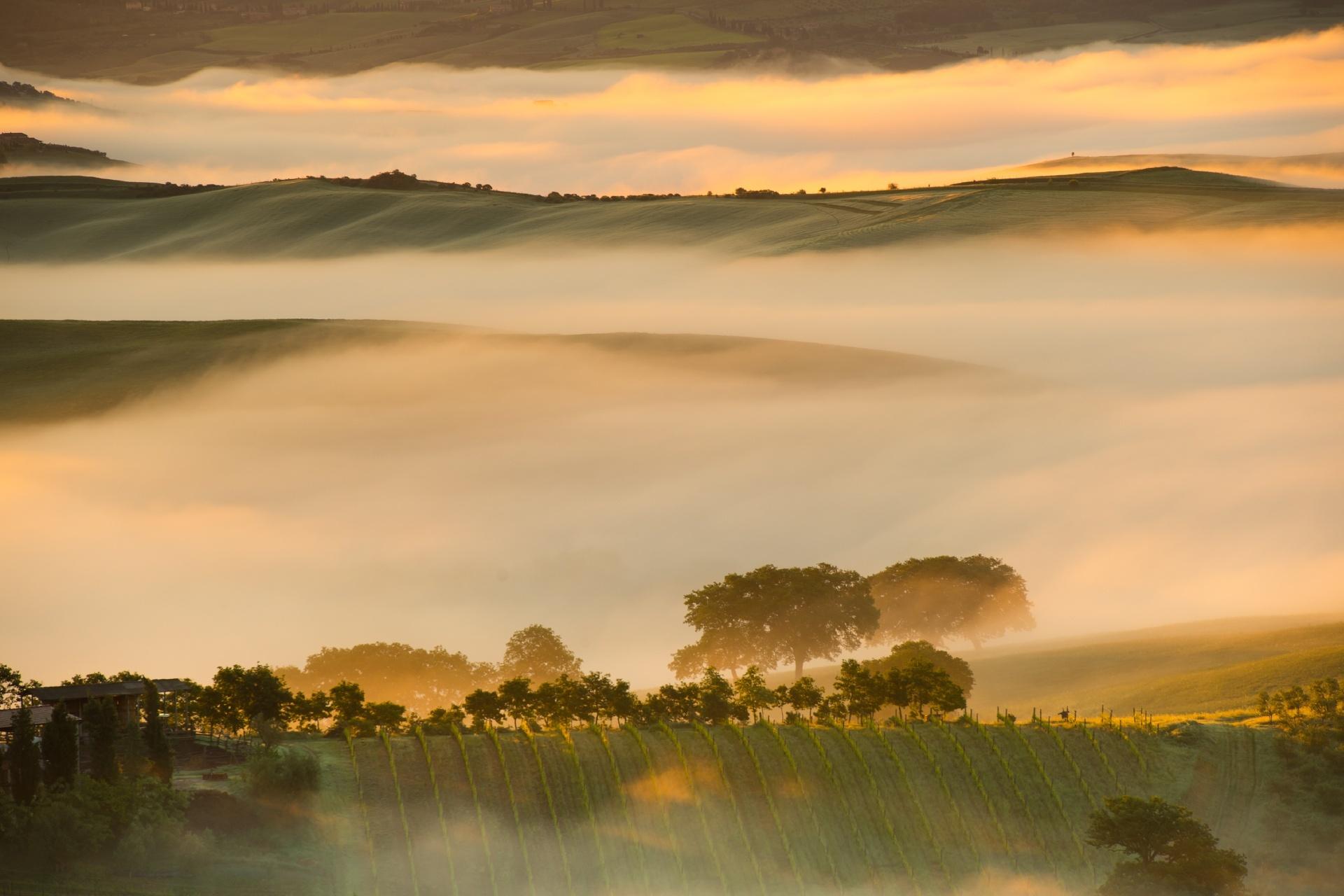 ヴァル・ドルチャの日の出の風景 イタリアの風景