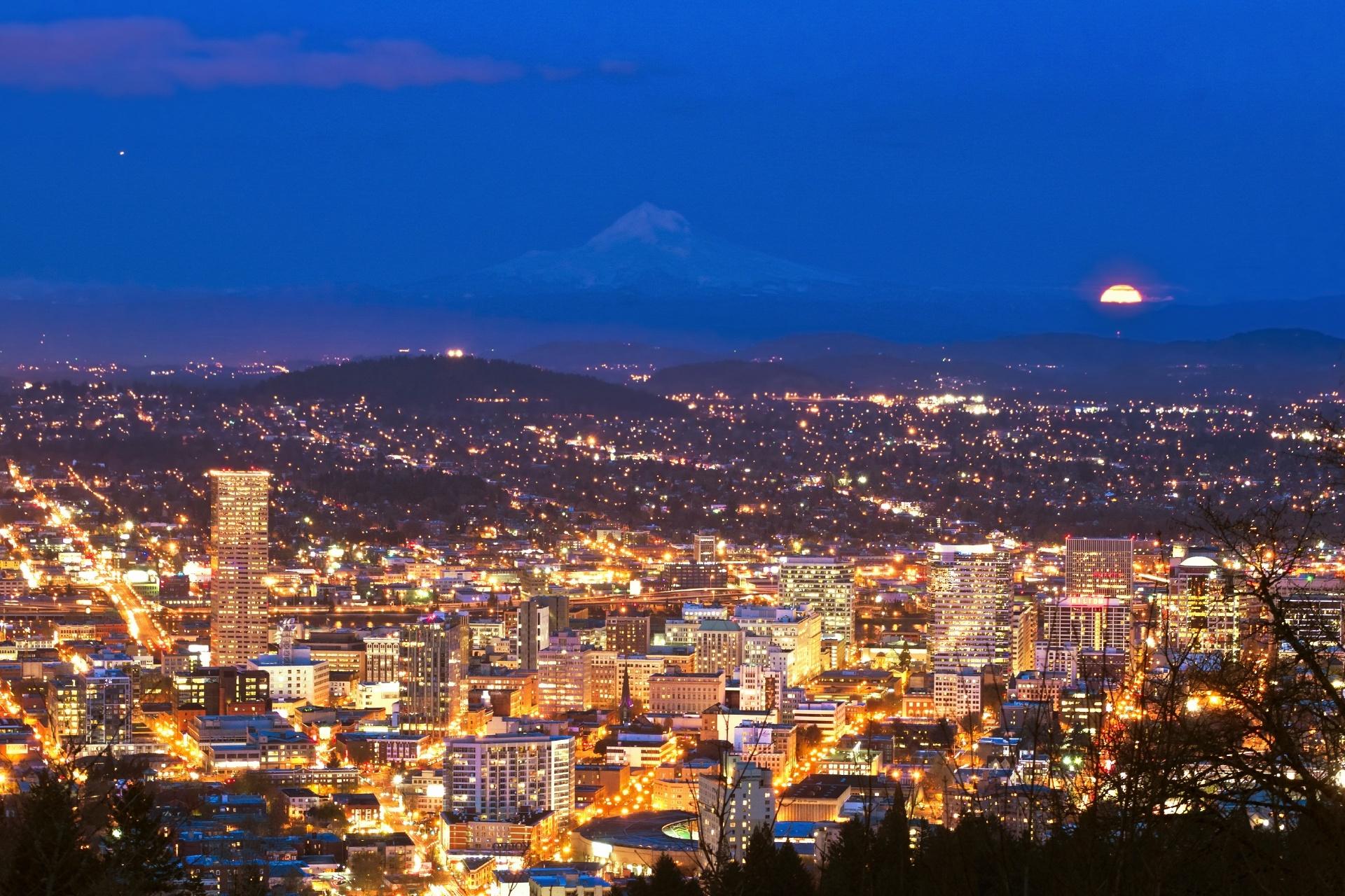 ピトック邸から眺める夜の町並み アメリカの風景