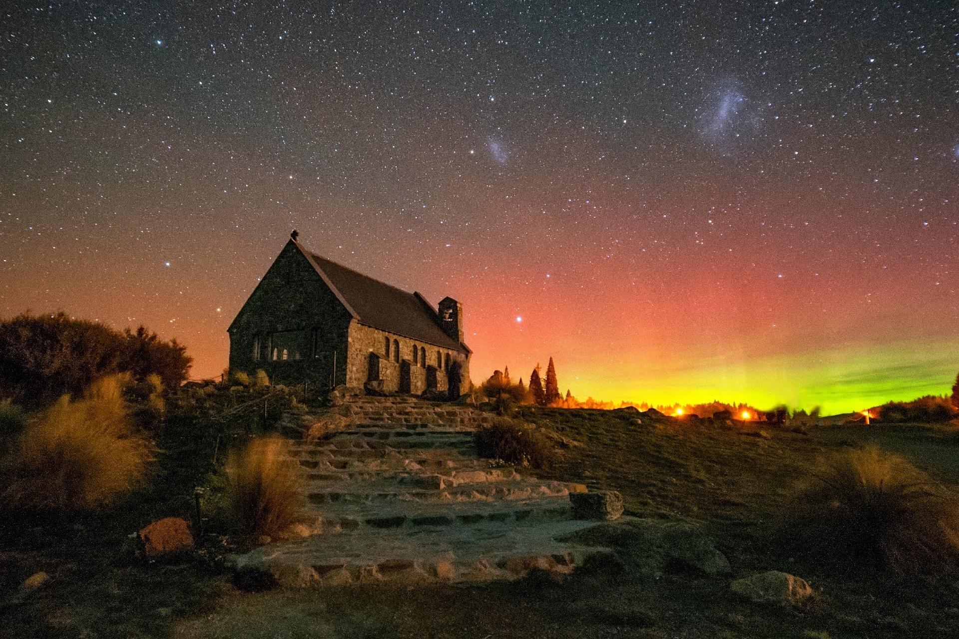 グッド・シェパード教会とオーロラの風景 ニュージーランドの風景