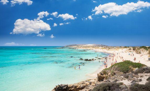 エラフォニシビーチの風景 ギリシャの風景